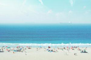 観光客が多いビーチ